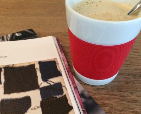 Kopje koffie en een tijdschrift